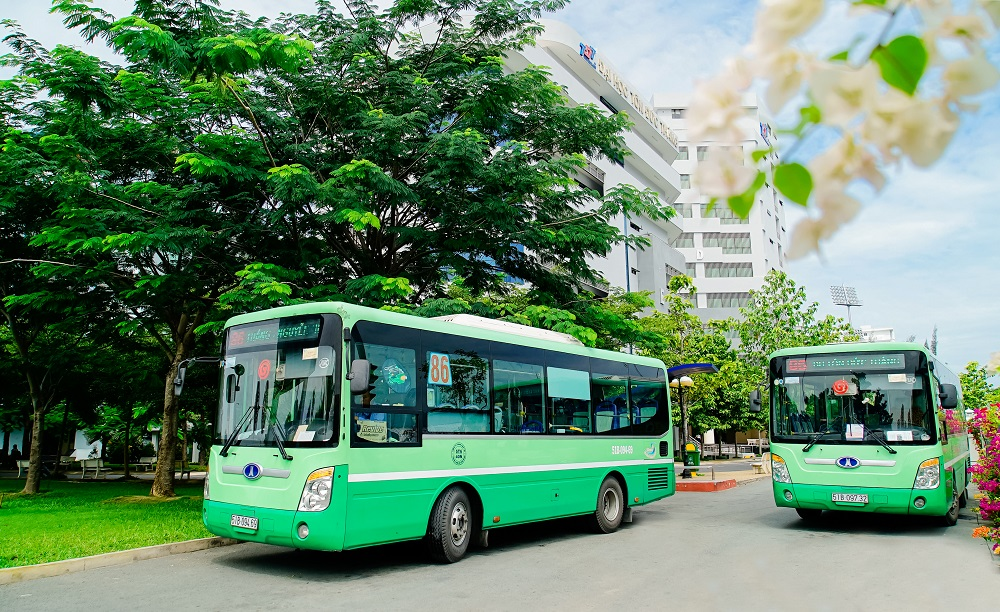 Trạm xe buýt.jpg