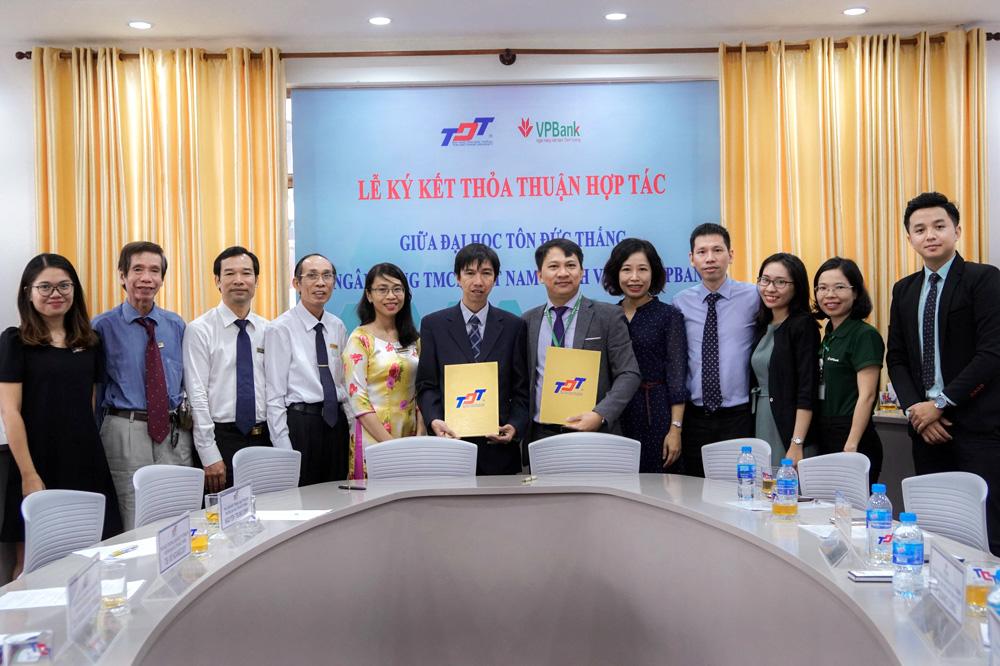 Ký Thỏa thuận hợp tác với Ngân hàng TMCP Việt Nam Thịnh Vượng (VPBANK)