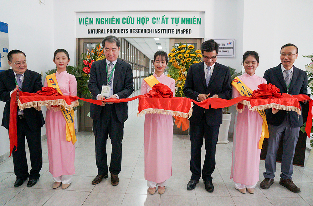 Ribbon cutting ceremony to inaugurate the NaPRI office