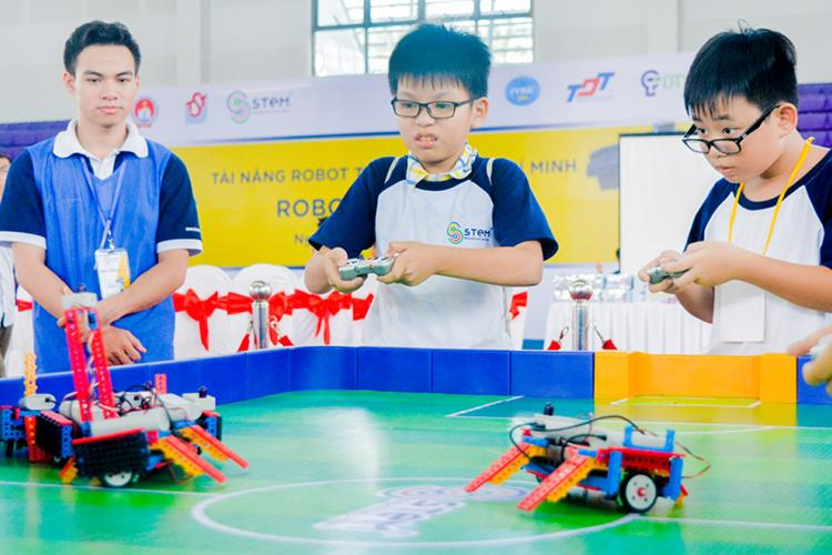 Ton Duc Thang University joining hand for developing Robotics talent of Ho Chi Minh City